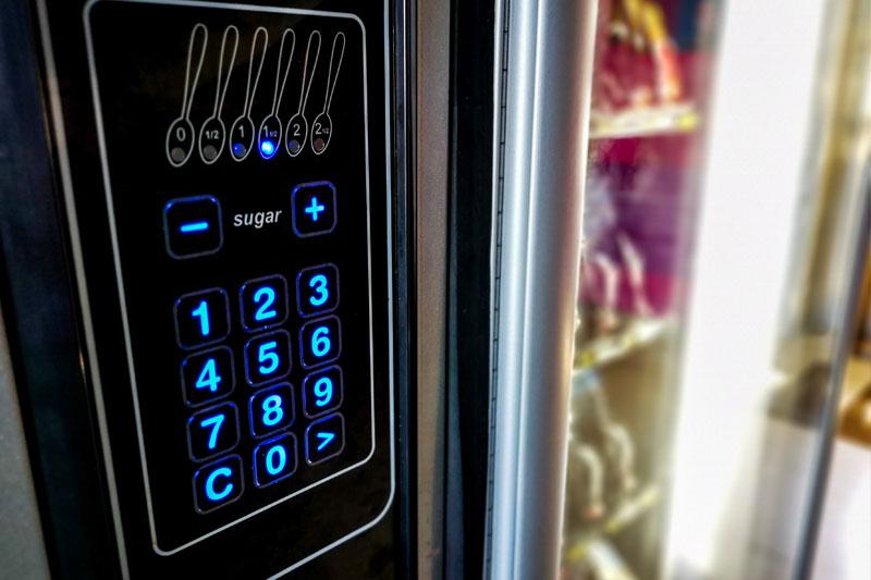 Distributori-automatici-con-alimenti-e-bevande-la-combinazione-ideale